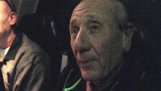 Vito Rizzuto dans l'avion le menant à Toronto, début octobre 2012