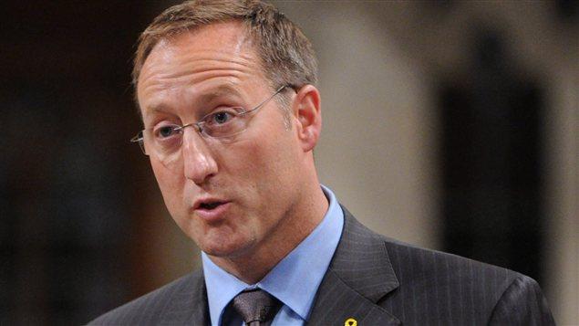 Le ministre de la Défense Peter MacKay