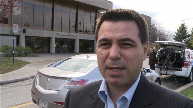 M vaillancourt nie tout dit la porte parole du maire for Meuble vaillancourt laval