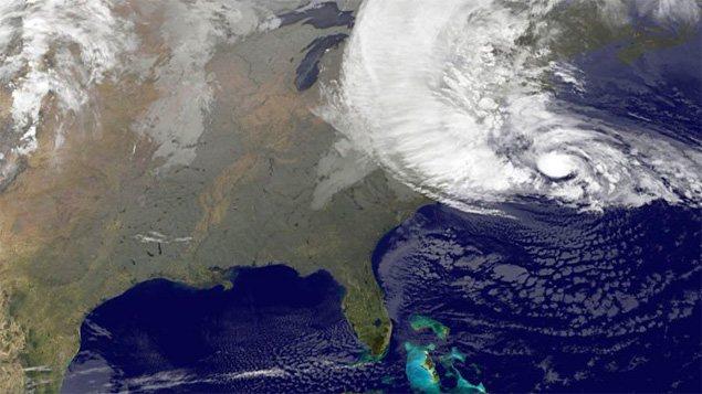 L'ouragan Sandy au large de la côte est américaine