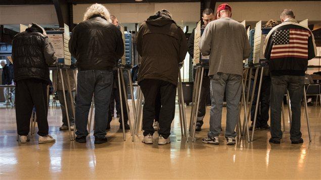 Des électeurs à Cleveland, en Ohio