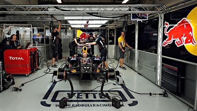 Le garage de l'équipe Red Bull