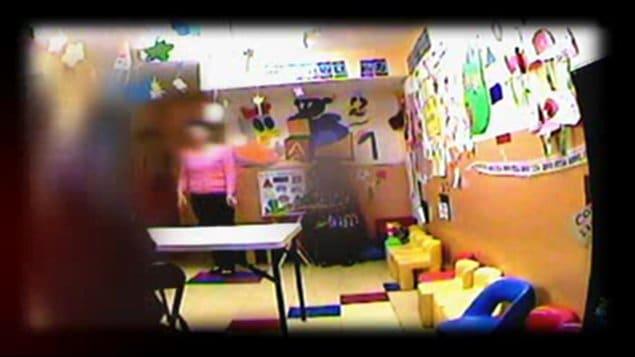 Caméra cachée dans un centre offrant des visites supervisées