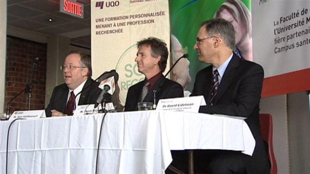Jean Vaillancourt, recteur de l'UQO, Denis Beaudoin, directeur général du CSSS de Gatineau et Dr David Eidelman, doyen de l'Université McGill, étaient présents lors de la conférence de presse lundi.