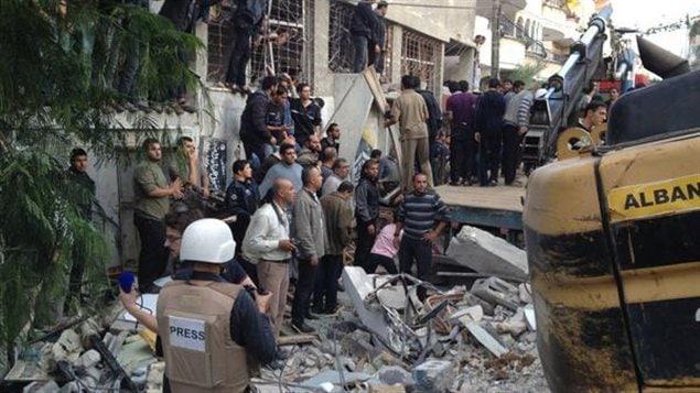 Immeuble touché par une frappe israélienne à Gaza