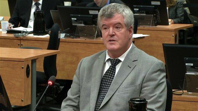 Pierre Papineau, courtier d'assurances générales