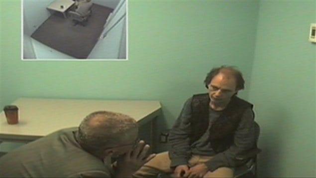 Jacques Laperrière lors d'un interrogatoire.