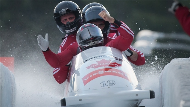 L'équipe canadienne de bobsleigh à quatre : Chris Spring, Timothy Randall, Adam Rosenke et Ben Coakwell.