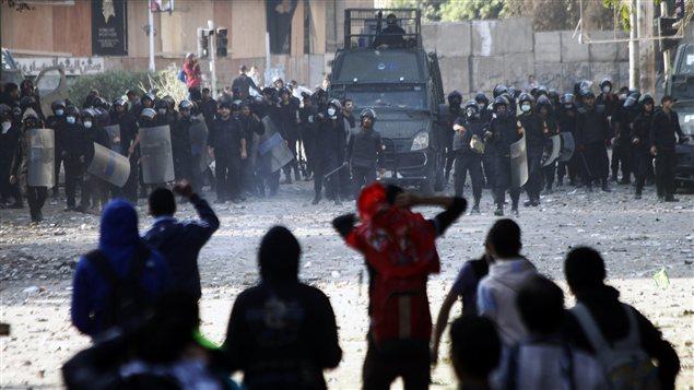 Des affrontements ont eu lieu, au Caire, entre opposants au président Morsi et les forces de l'ordre.