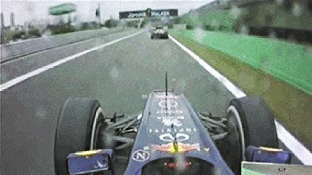 Sebastian Vettel derrière Jean-Éric Vergne au Brésil