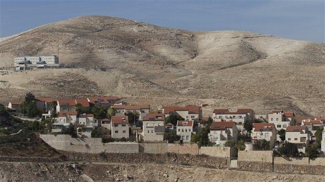 Vue sur l'impantation israélienne de Maaleh Adumin, près de Jerusalem.