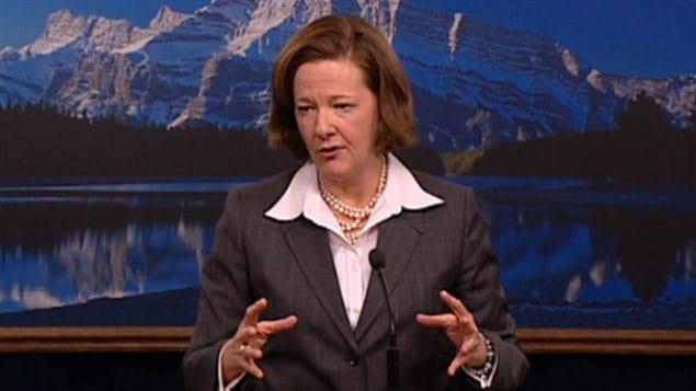 La première ministre de l'Alberta, Alison Redford, en conférence de presse, le 6 décembre 2012.
