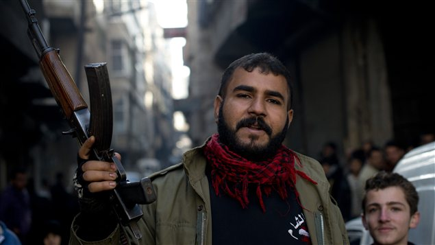 Un rebelle syrien à Al-Fardos, le 9 décembre.