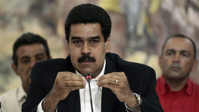 Nicolas Maduro, vice-président du Venezuela, a été désigné par Hugo Chavez comme son successeur s'il n'était plus en mesure d'exercer le pouvoir. M. Chavez a annoncé le 8 décembre le retour de son cancer.