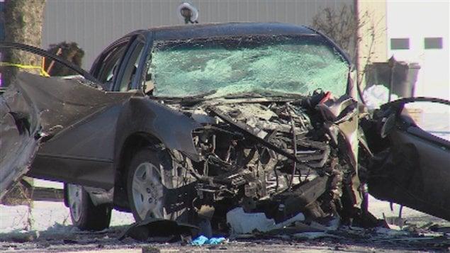 Une des deux voitures impliquées dans l'accident mortel.