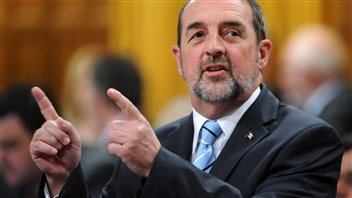 Le ministre des Transports du Canada, Denis Lebel