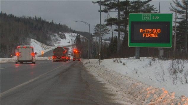 La route 175 est fermée dans les deux directions