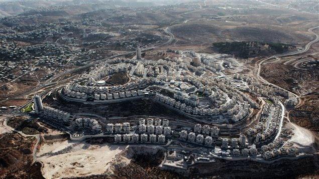 Vue aérienne de la colonie juive de ar Homa, à Jérusalem-Est