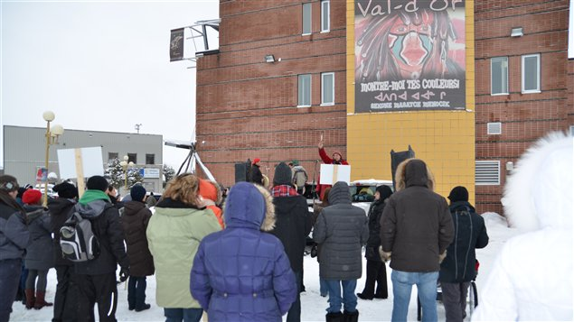 Une cinquantaine de personnes on joint le mouvement autochtone Idle no more à Val-d'Or.