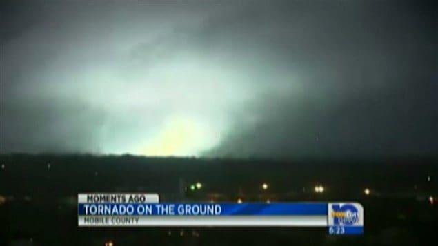 la tornade a touché terre à Mobile vers 17 heures, heure locale.