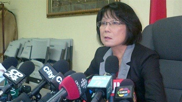 Olivia Chow est atteinte d'une paralysie faciale.
