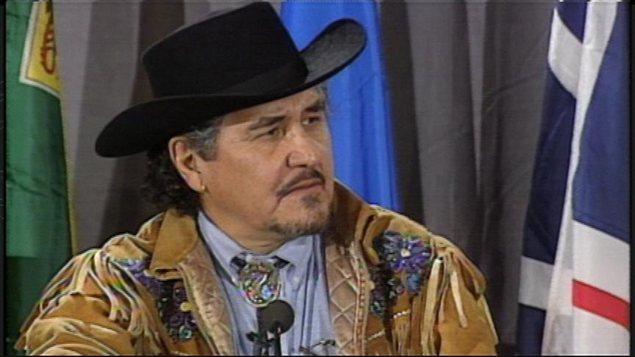 Harry Daniels (1940-2004), en conférence de presse en 1998.