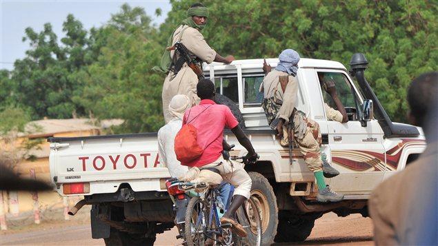 Des rebelles islamistes circulant à Gao, dans le nord du Mali (archives)