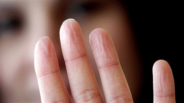 Des doigts frippés