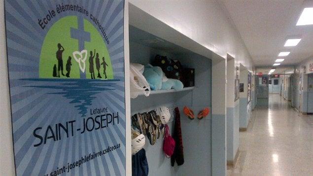 Les 26 élèves de l'école Saint-Joseph de Lefaivre pourraient être transférés vers l'école Saint-Victor d'Alfred.