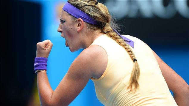 La Bélarussienne Victoria Azarenka a écrasé la Grecque Eleni Daniilidou en deux manches de 6-1 et 6-0 à Melbourne.