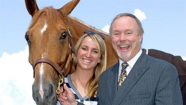 Karen Sparks, et son père Terry Matthews de la Fondation Wesley Clove.