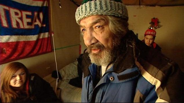 Winston Hartie a recommencé à se nourrir mercredi après une grève de la faim de 31 jours.