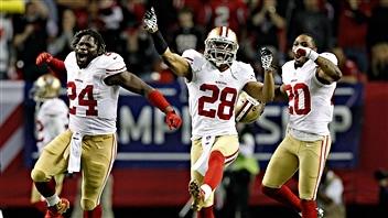 Les 49ers célèbrent leur victoire.
