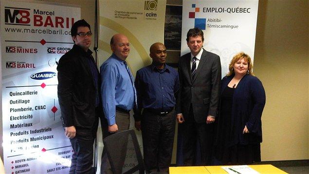 La Chambre de commerce et d'industrie de Rouyn-Noranda et le Centre local d'emploi ont lancé le projet Emploi et immigration à la carte pour attirer des travailleurs immigrants.