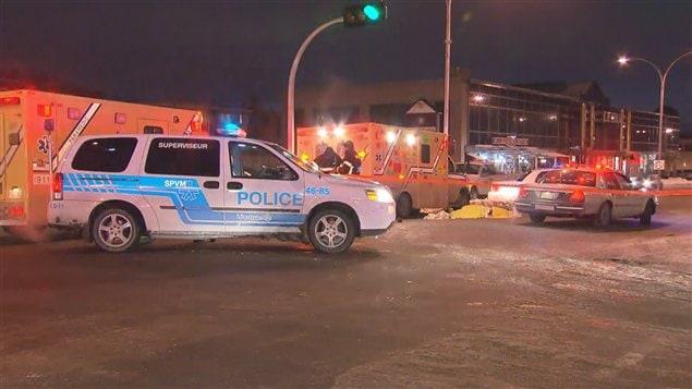 Une piétonne est happée mortellement par un camion de déneigement à Saint-Léonard.
