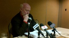 Le président de Pétrolia, André Proulx, lors de la conférence de presse, jeudi aprè-midi