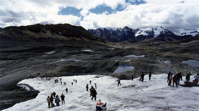 Le glacier Pastoruri, un des plus importants de la Cordillère blanche au Pérou, a perdu de grande quantité de glace.