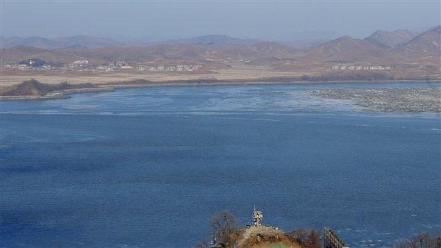 Un poste de surveillance sud-coréen garde l'oeil sur la frontière avec la Corée du Nord