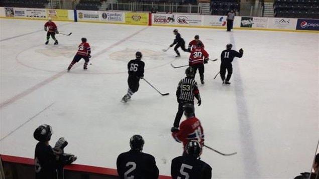 La communauté de Warman accueille le 18e Championnat de hockey fransaskois.