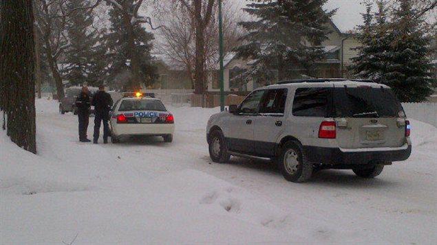 La police dans le quartier Riversdale de Saskatoon où a été séquestrée une femme