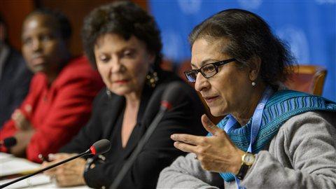 La mission est composée de ces trois expertes: la Pakistanaise Asma Jahangir (droite) la Française Christine Chanet (centre) et la Botswanaise Unity Dow (gauche).