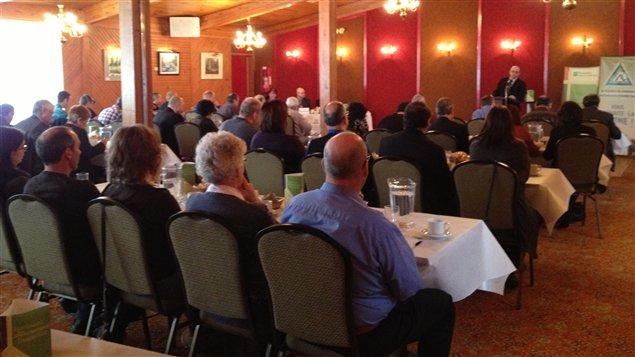 Le président régional de l'Union des producteurs agricoles, Sylvain Vachon, a présenté l'idée de créer la Société d'aménagement et de développement agricole du Québec devant la chambre de commerce d'Abitibi-Ouest.