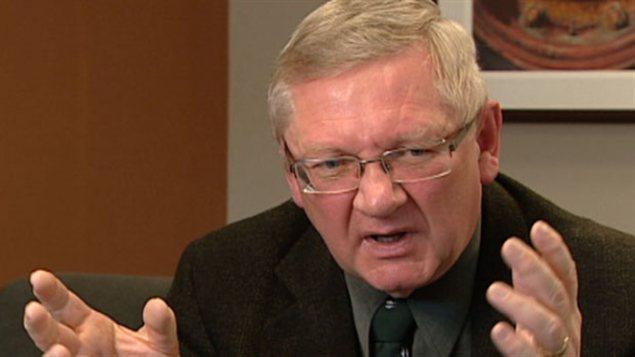 Brian Fljeldheim, directeur d'Élections Alberta