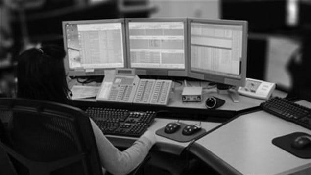 Une répartitrice des services 9-1-1 de la GRC.
