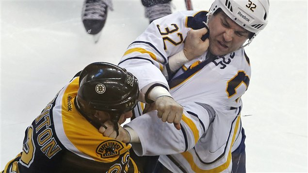 Shawn Thornton et John Scott