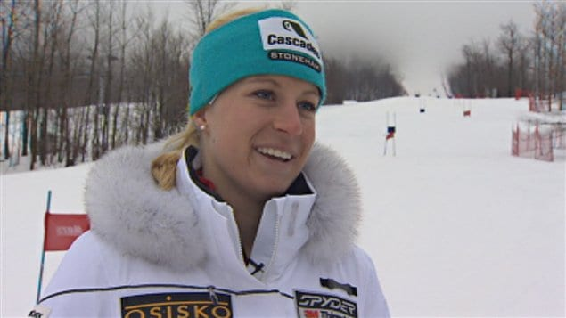La skieuse sherbrookoise Ève Routhier