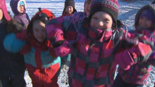 Des jeunes de Sherbrooke bougent 20 minutes avant d'entrer en classe.