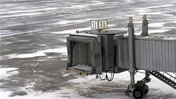 La neige a perturbé les activités de l'aéroport d'Halifax.