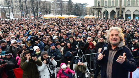 L'humoriste devenu politicien Beppe Grillo à Bergame, en Italie