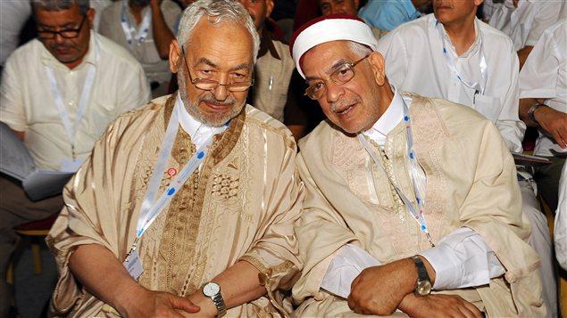 Rached Ghennouchi, le président d'Ennahda (à gauche), et Abdelfattah Mourou, vice-président du parti (à droite) lors du congrès du parti le 15 juillet 2012.